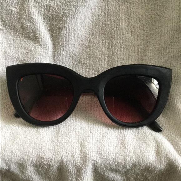 Forever21 Women's Matte Black Cat Eye Sunglasses
